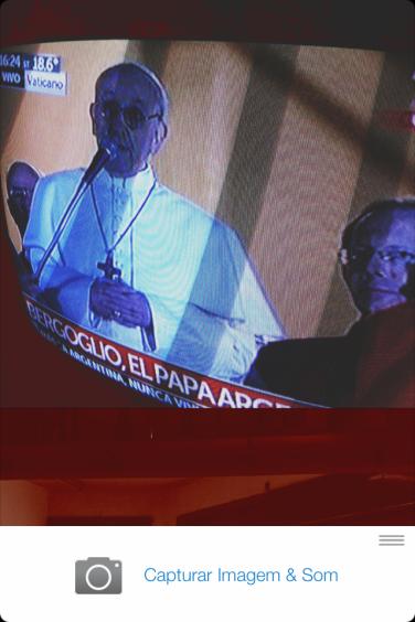 Primeiras palavras (em italiano) de Jorge Mario Bergoglio enquanto Papa Francisco, transmitidas pela televisão argentina
