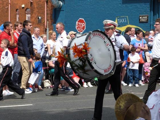 A Parada do 12 de Julho, ou Orangemen's Day, se repete desde o século 18 (Foto: Sam Woodcock, CC, 2012)