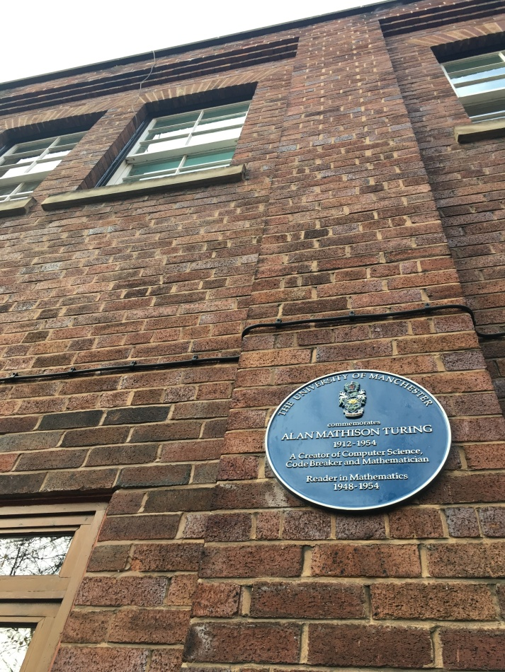 Placa memorial de Alan Turing na Universidade de Manchester
